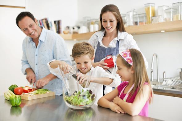 la-importancia-de-convertir-la-cocina-en-el-lugar-de-encuentros-para-la-familia-01